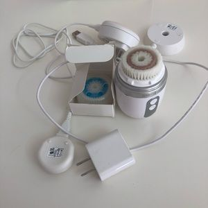 Clarisonic facial cleansing system.